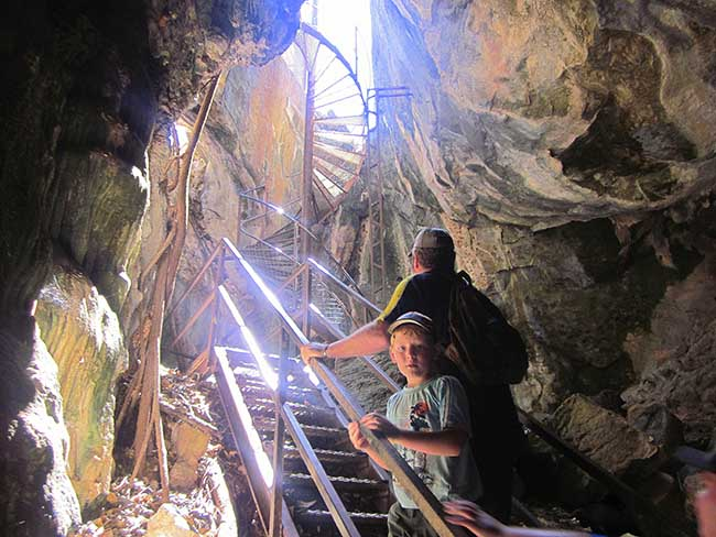 living the new australian dream - Donna Cave Staircase